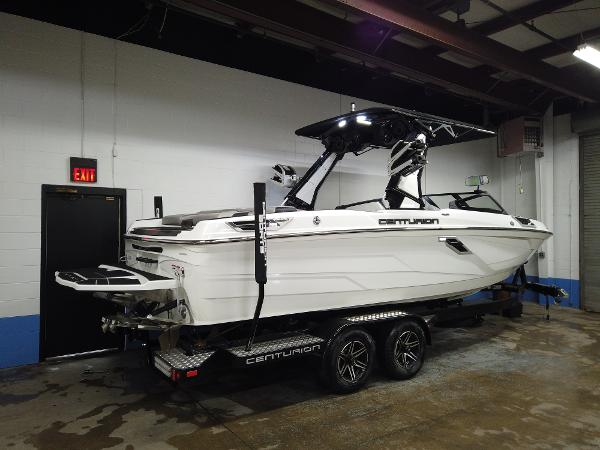 2021 Centurion boat for sale, model of the boat is Ri245 & Image # 2 of 18