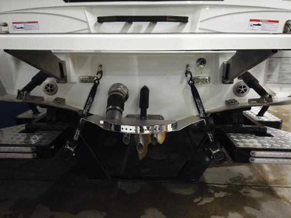 2021 Centurion boat for sale, model of the boat is Ri245 & Image # 3 of 18