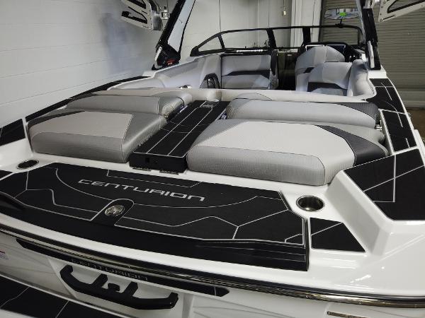 2021 Centurion boat for sale, model of the boat is Ri245 & Image # 4 of 18