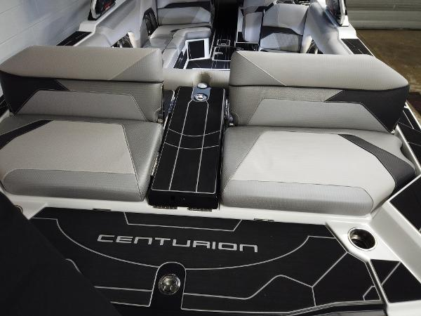 2021 Centurion boat for sale, model of the boat is Ri245 & Image # 7 of 18