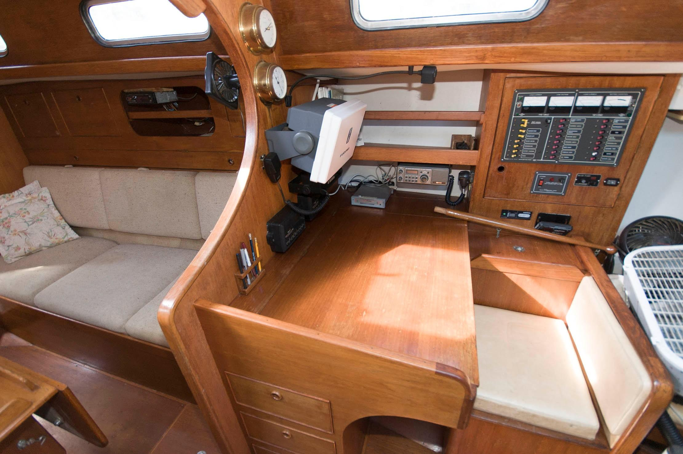 M 5435 SK Knot 10 Yacht Sales