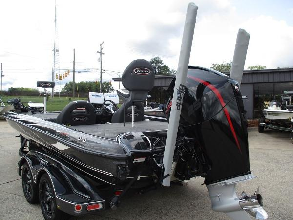 2020 Triton boat for sale, model of the boat is 21 TRX & Image # 2 of 10