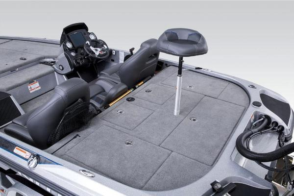 2017 Nitro boat for sale, model of the boat is Z20 & Image # 16 of 20