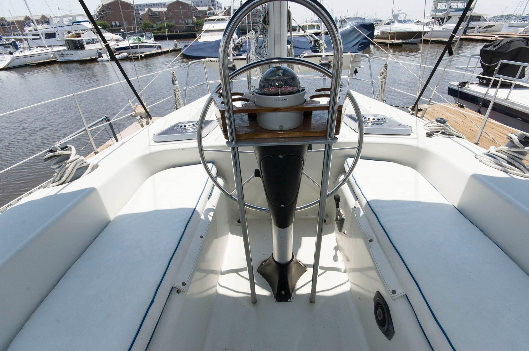 M 5447 JP Knot 10 Yacht Sales