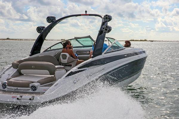 2021 Crownline boat for sale, model of the boat is 290 SS & Image # 3 of 12