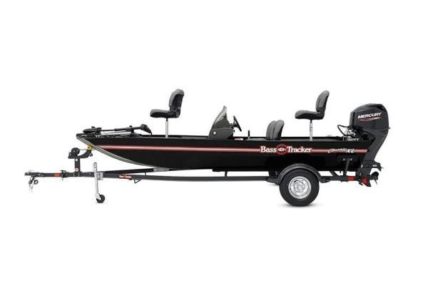 2022 Tracker Boats boat for sale, model of the boat is BASS TRACKER® Classic XL & Image # 3 of 23