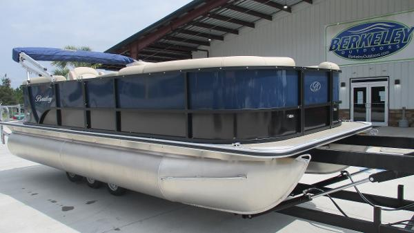 2021 Bentley boat for sale, model of the boat is 200 Navigator & Image # 1 of 60