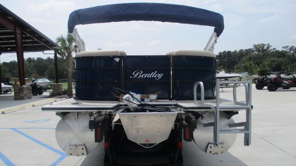 2021 Bentley boat for sale, model of the boat is 200 Navigator & Image # 8 of 60