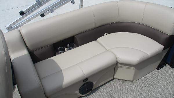 2021 Bentley boat for sale, model of the boat is 200 Navigator & Image # 18 of 60
