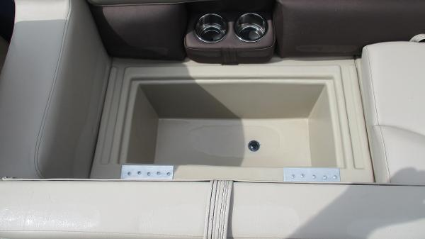 2021 Bentley boat for sale, model of the boat is 200 Navigator & Image # 20 of 60