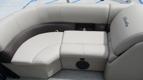 2021 Bentley boat for sale, model of the boat is 200 Navigator & Image # 22 of 60