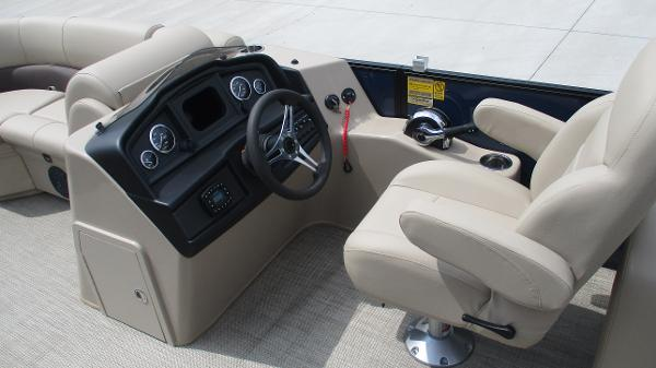 2021 Bentley boat for sale, model of the boat is 200 Navigator & Image # 30 of 60