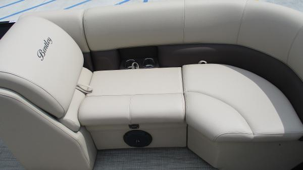 2021 Bentley boat for sale, model of the boat is 200 Navigator & Image # 40 of 60