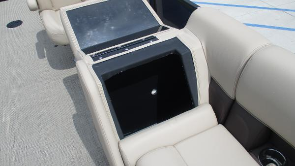 2021 Bentley boat for sale, model of the boat is 200 Navigator & Image # 42 of 60