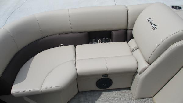 2021 Bentley boat for sale, model of the boat is 200 Navigator & Image # 47 of 60