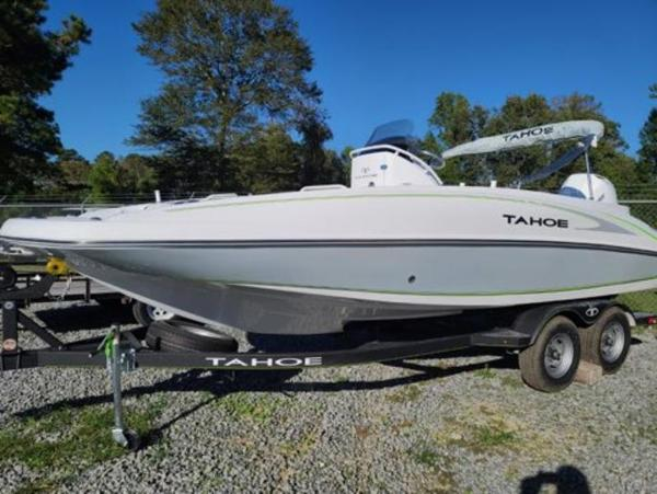 2021 Tahoe boat for sale, model of the boat is 2150 CC & Image # 3 of 10