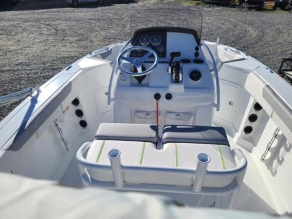 2021 Tahoe boat for sale, model of the boat is 2150 CC & Image # 7 of 10