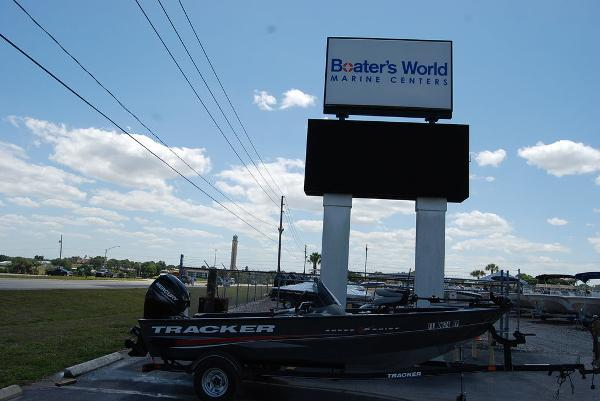 2018 Tracker Boats boat for sale, model of the boat is V16 SUPER GUIDE & Image # 1 of 9