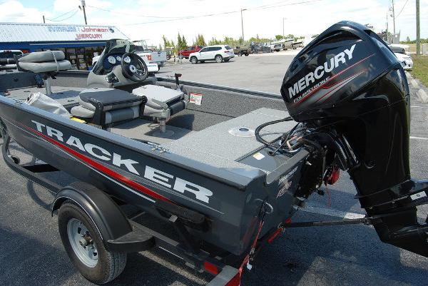 2018 Tracker Boats boat for sale, model of the boat is V16 SUPER GUIDE & Image # 2 of 9