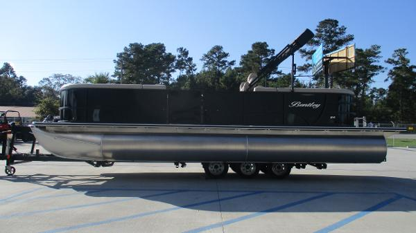 2021 Bentley boat for sale, model of the boat is 240 Navigator & Image # 4 of 56