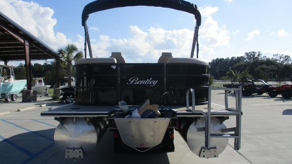 2021 Bentley boat for sale, model of the boat is 240 Navigator & Image # 8 of 56