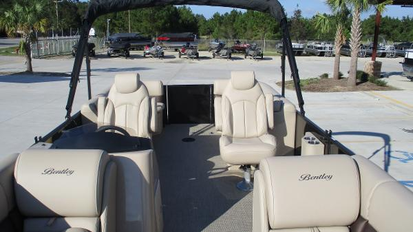2021 Bentley boat for sale, model of the boat is 240 Navigator & Image # 10 of 56