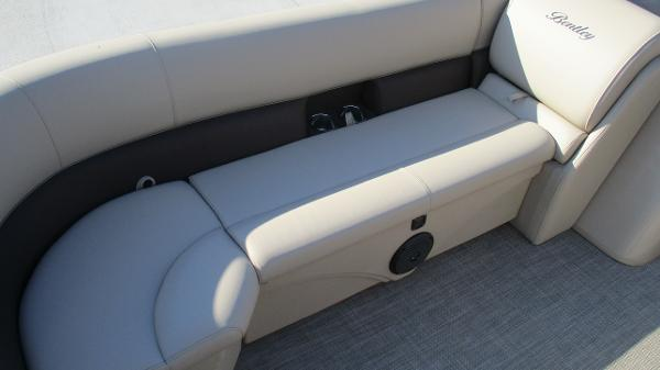2021 Bentley boat for sale, model of the boat is 240 Navigator & Image # 11 of 56