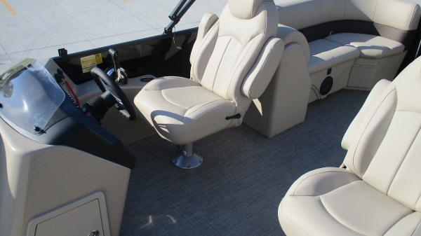 2021 Bentley boat for sale, model of the boat is 240 Navigator & Image # 13 of 56