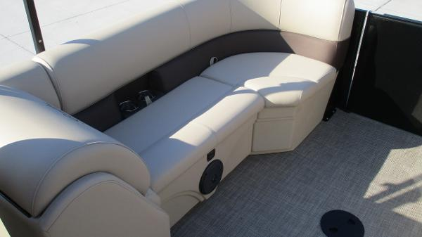 2021 Bentley boat for sale, model of the boat is 240 Navigator & Image # 15 of 56