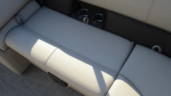 2021 Bentley boat for sale, model of the boat is 240 Navigator & Image # 18 of 56