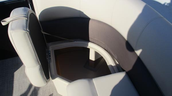 2021 Bentley boat for sale, model of the boat is 240 Navigator & Image # 24 of 56