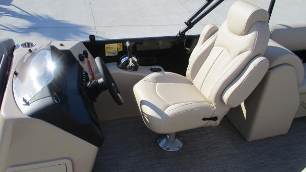 2021 Bentley boat for sale, model of the boat is 240 Navigator & Image # 31 of 56