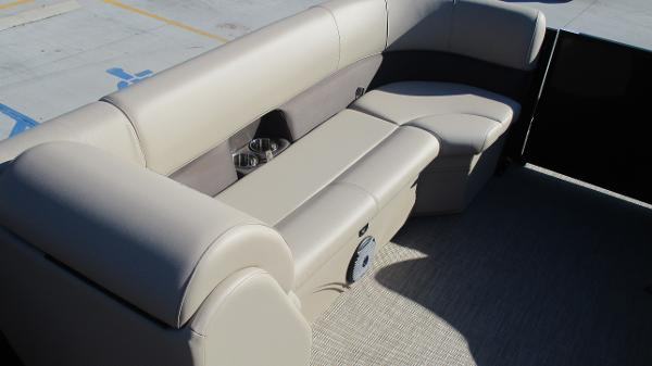 2021 Bentley boat for sale, model of the boat is 240 Navigator & Image # 39 of 56