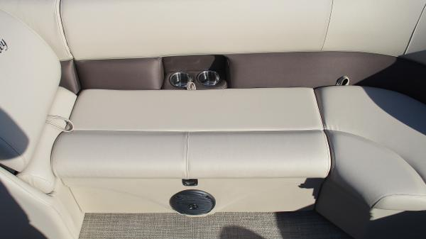 2021 Bentley boat for sale, model of the boat is 240 Navigator & Image # 40 of 56