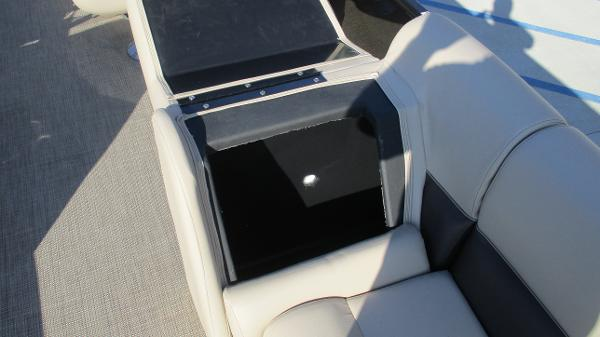2021 Bentley boat for sale, model of the boat is 240 Navigator & Image # 45 of 56