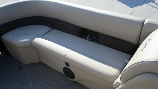 2021 Bentley boat for sale, model of the boat is 240 Navigator & Image # 46 of 56