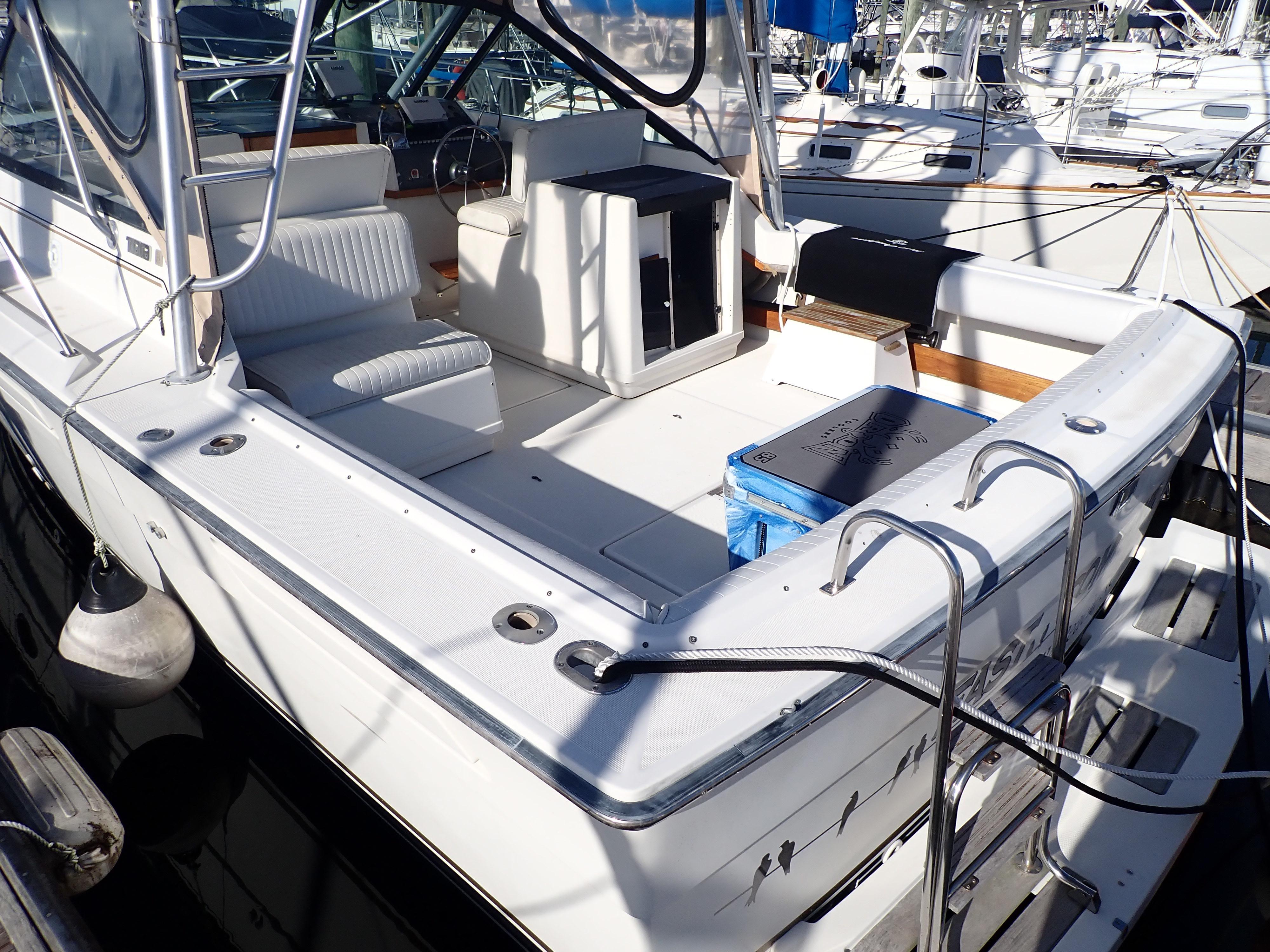 Tiara Yachts 3100 Tower - Photo: #22