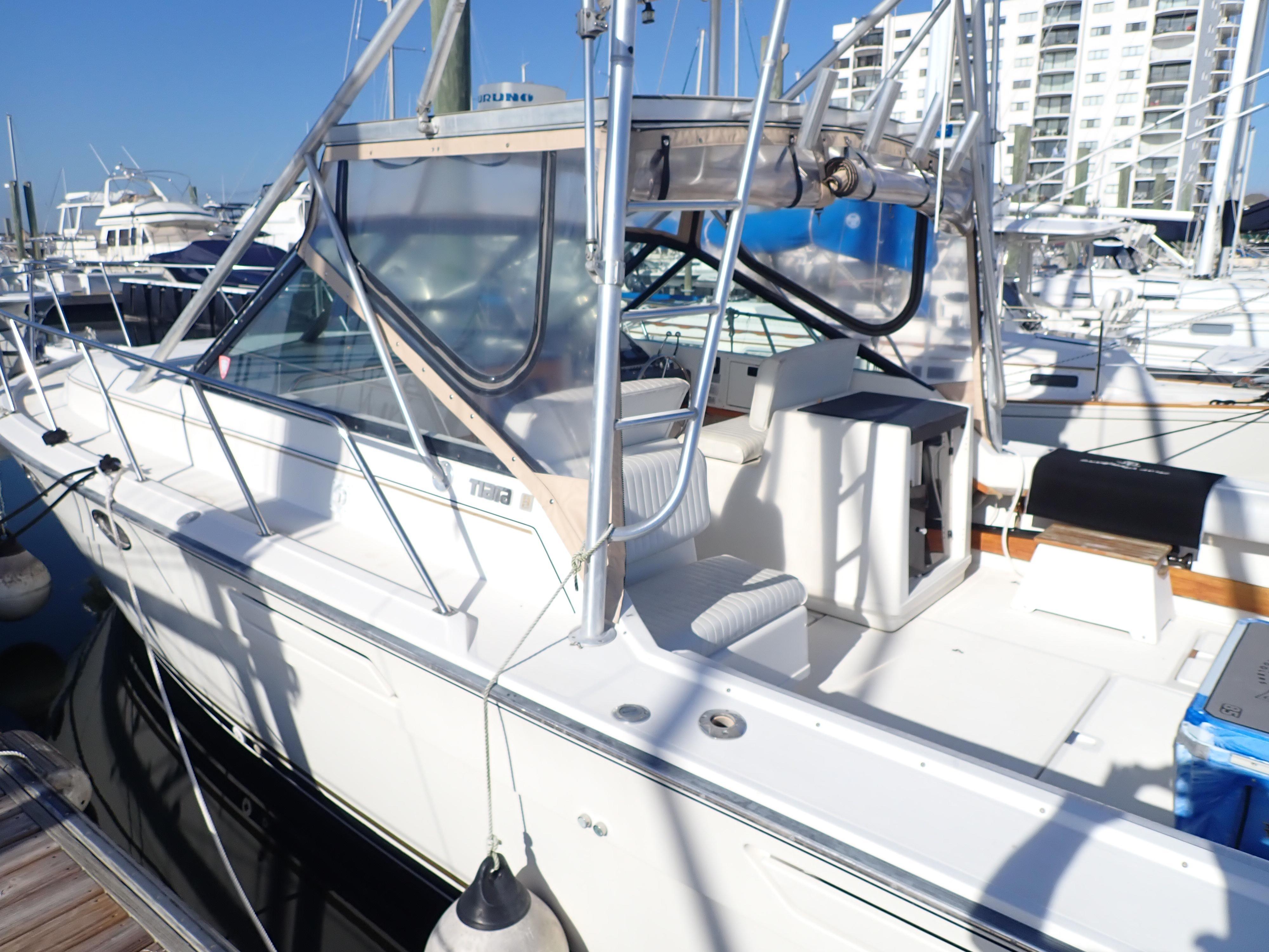 Tiara Yachts 3100 Tower - Photo: #23