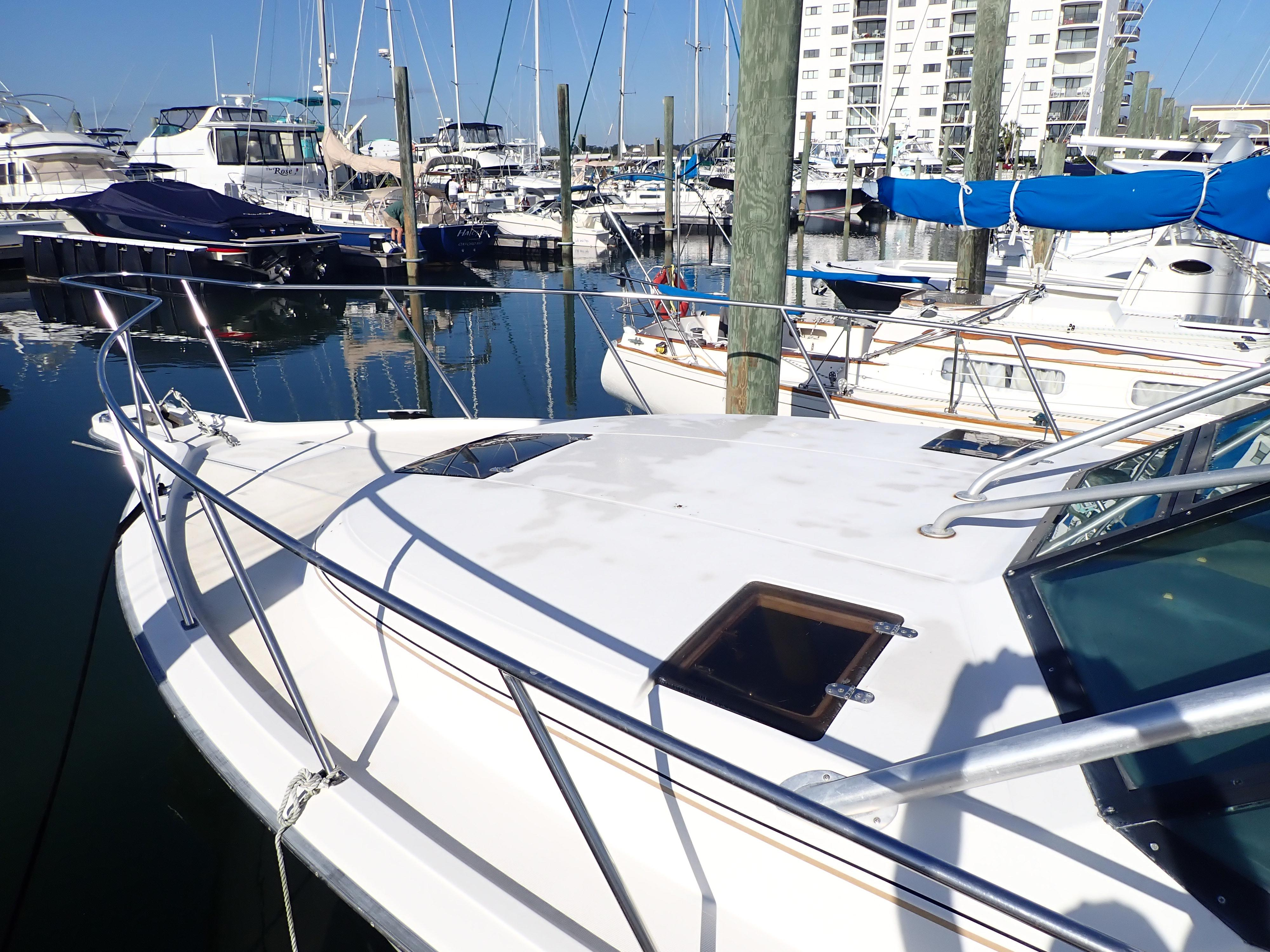 Tiara Yachts 3100 Tower - Photo: #24