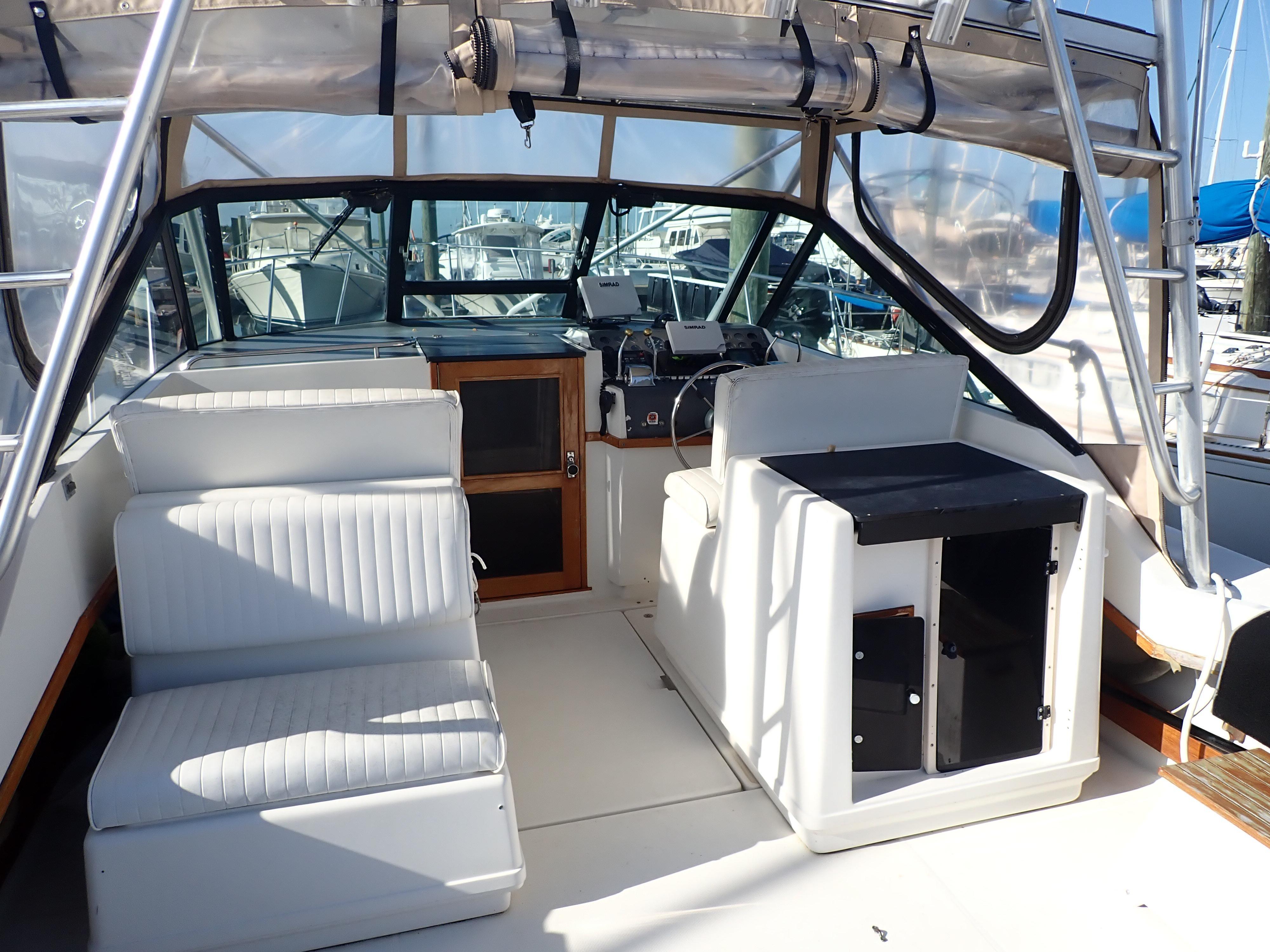 Tiara Yachts 3100 Tower - Photo: #26