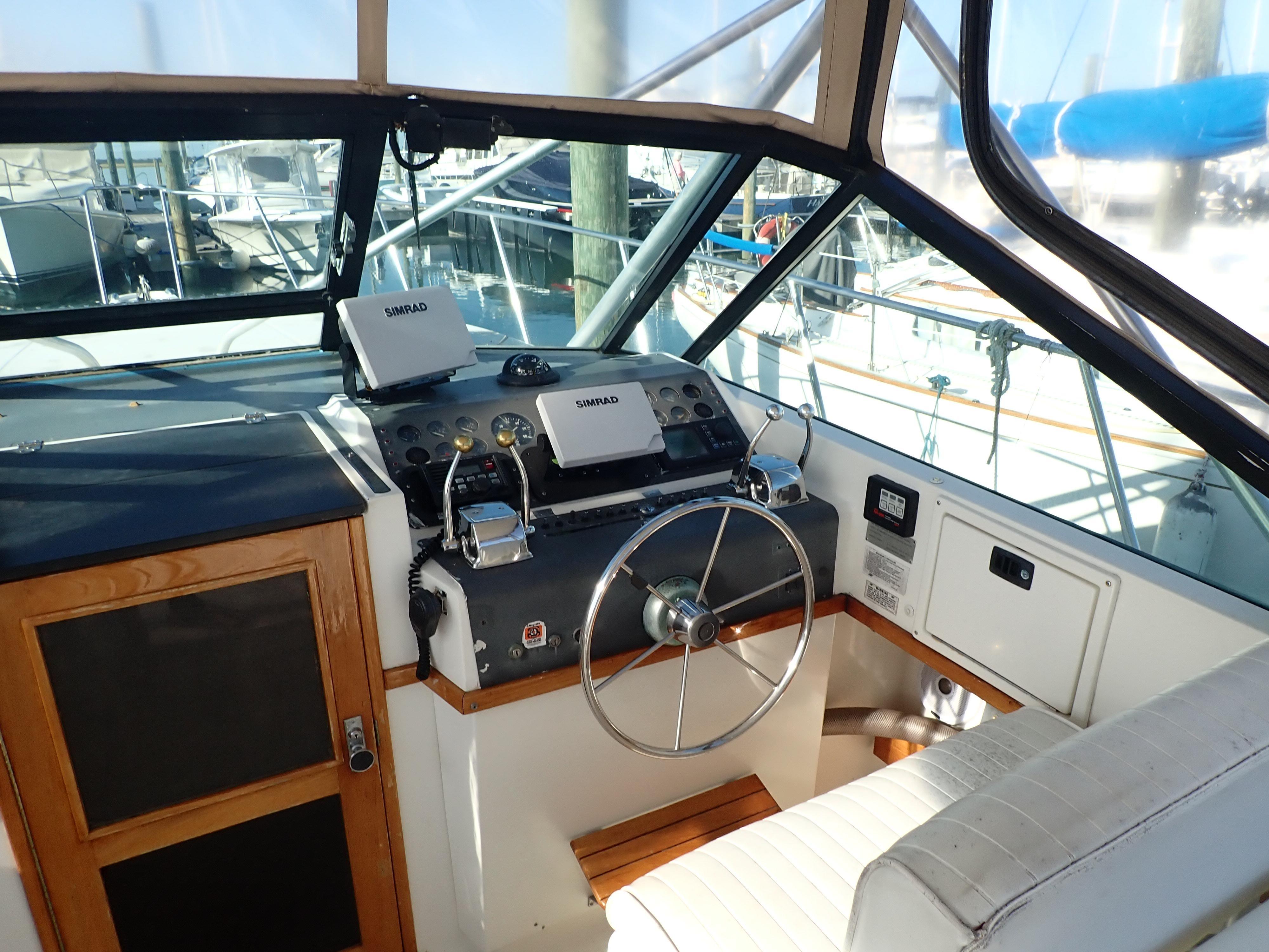 Tiara Yachts 3100 Tower - Photo: #27