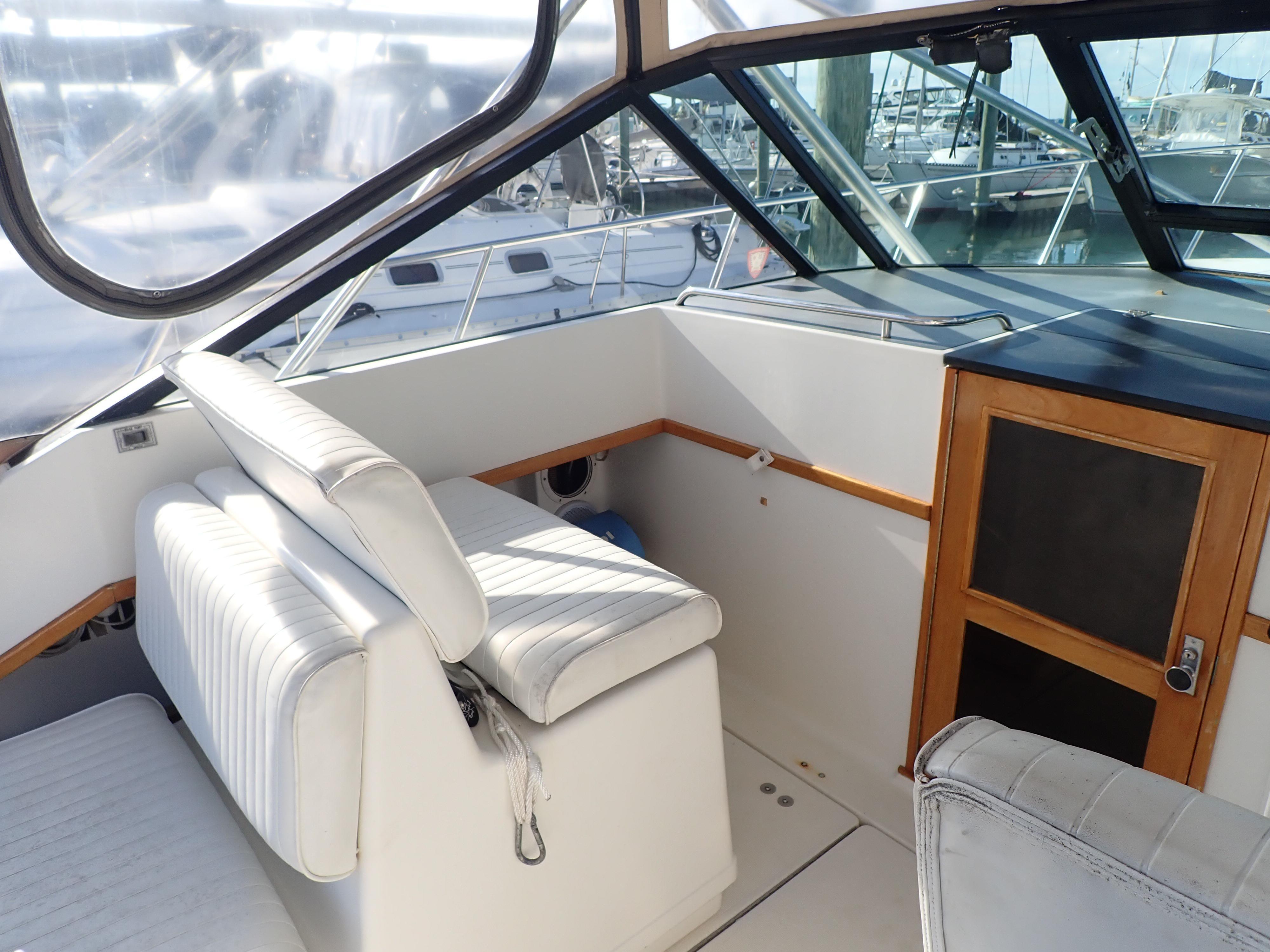 Tiara Yachts 3100 Tower - Photo: #28