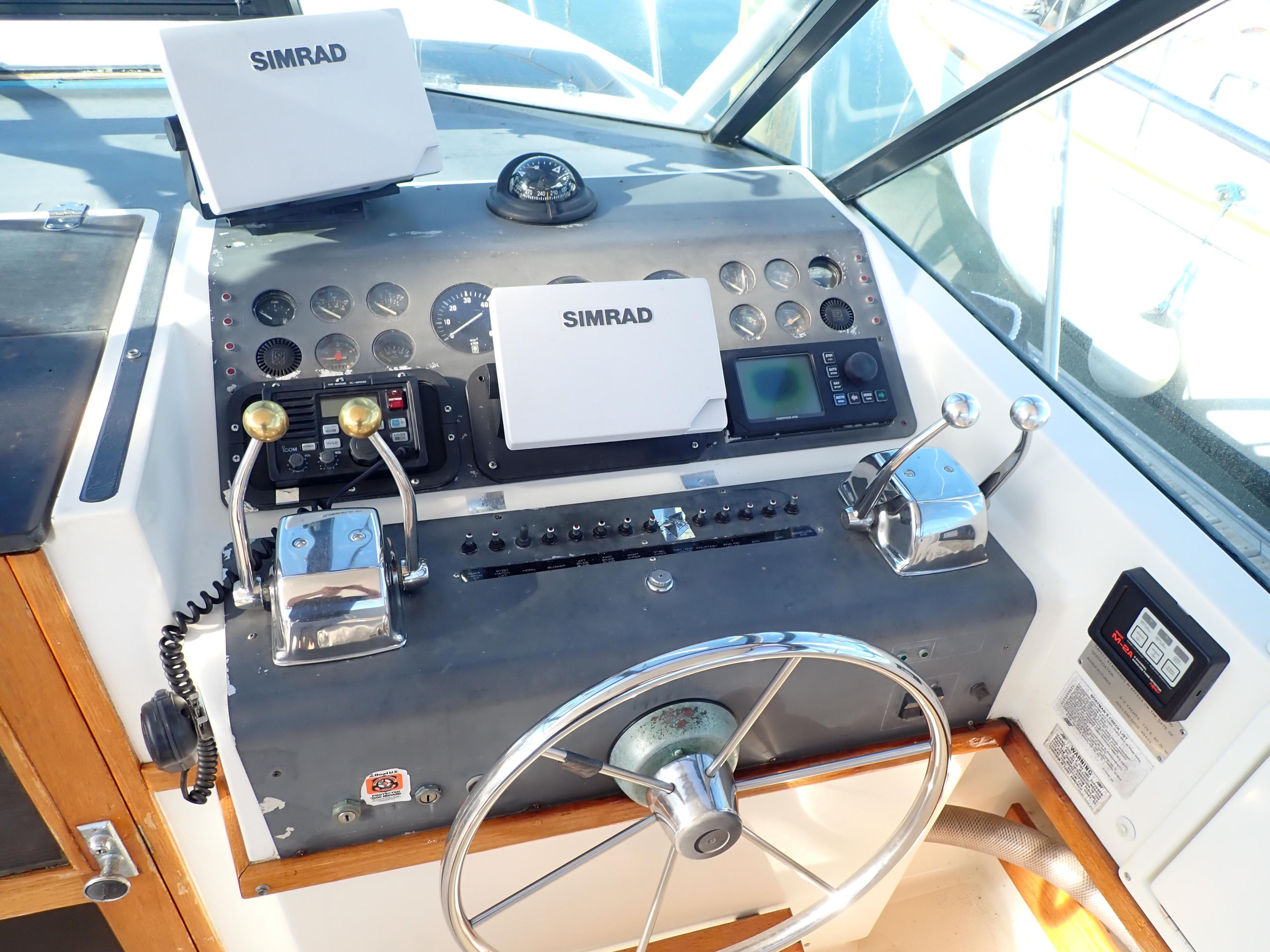 Tiara Yachts 3100 Tower - Photo: #29
