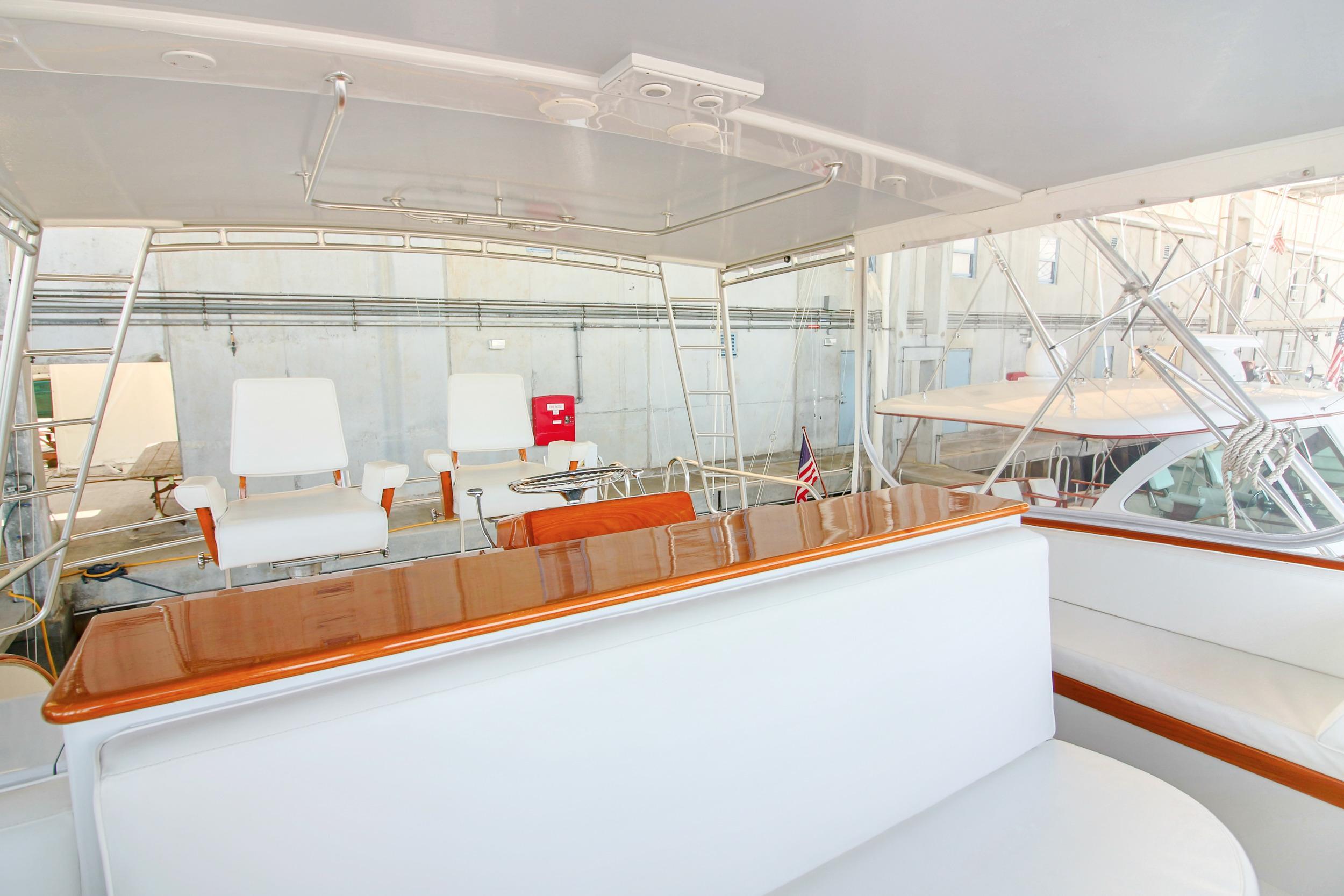 Flybridge Forward Seating