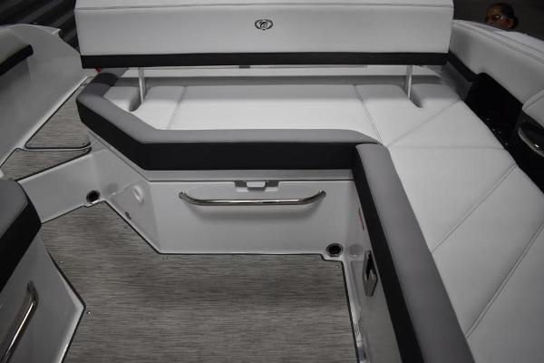 2021 Cobalt boat for sale, model of the boat is R6 & Image # 7 of 16