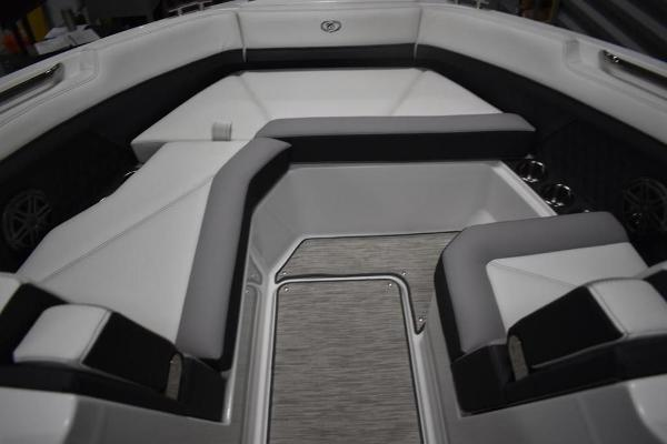 2021 Cobalt boat for sale, model of the boat is R6 & Image # 12 of 16