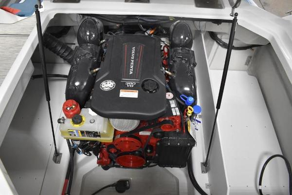 2021 Cobalt boat for sale, model of the boat is R6 & Image # 15 of 16