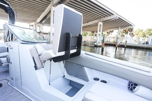 2021 Crownline boat for sale, model of the boat is 290 SS & Image # 10 of 19