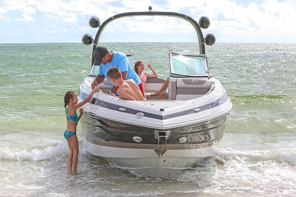 2021 Crownline boat for sale, model of the boat is 290 SS & Image # 4 of 19
