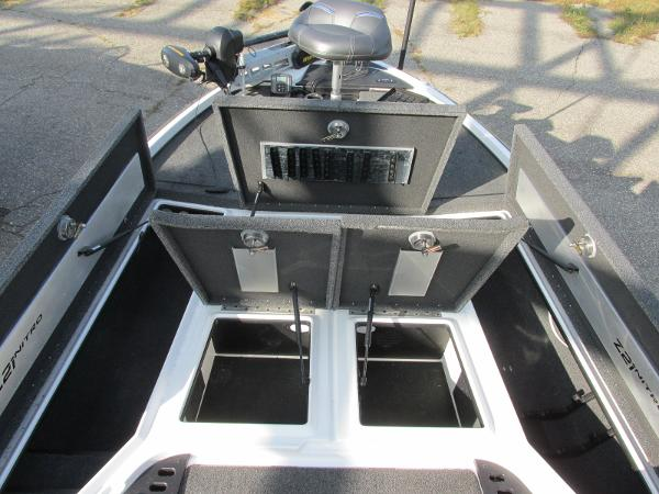 2019 Nitro boat for sale, model of the boat is Z21 PRO PACK DEMO & Image # 15 of 22